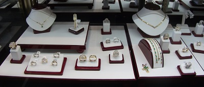 Sell your old and unwanted jewelry today!